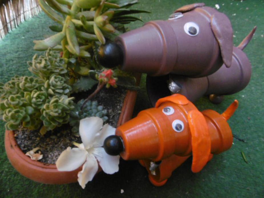 A virágok őrzői - kerti tacskók
